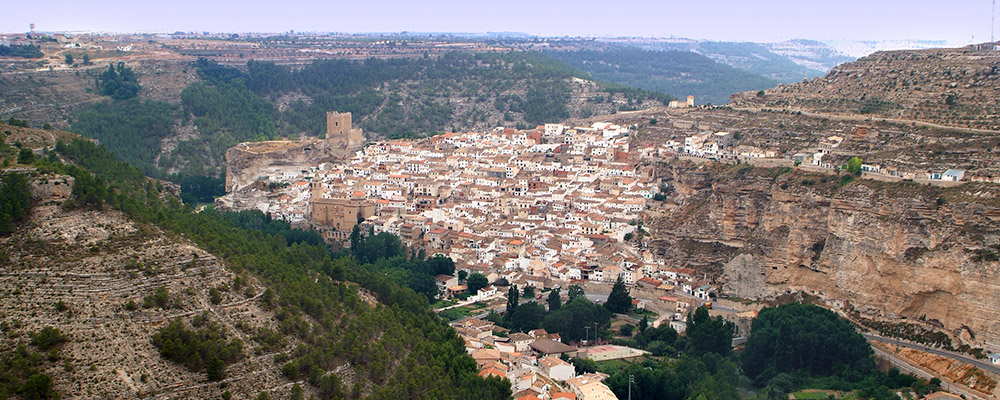 sldier alcala del jucar 01 Alcalá del Júcar, el lugar perfecto para hacer turismo rural en otoño