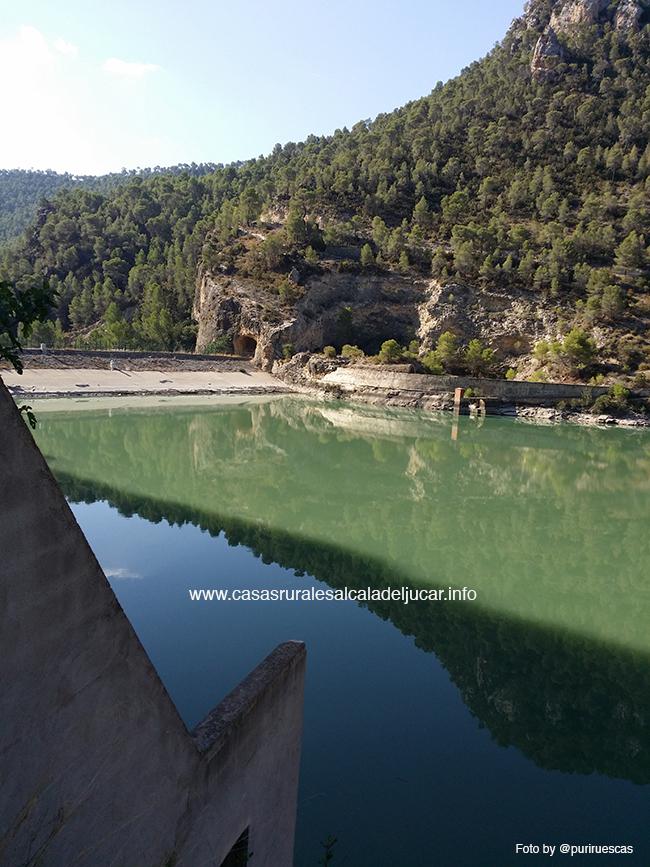 Hidroelectrica villa de ves Una ruta en bicicleta de montaña alrededor de Villa de Ves
