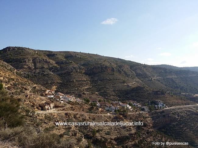 Vistas villa de ves desde Santuario del cristo Una ruta en bicicleta de montaña alrededor de Villa de Ves